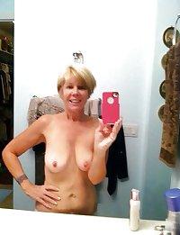 Selfie Amateur MILFs and Mature! - vol 53!