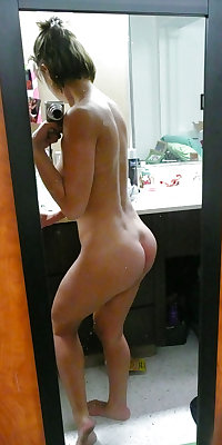 Selfie Amateur MILFs and Mature! - vol 53!