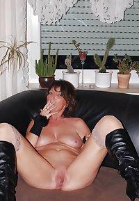 AMATEUR  MATURE LADY (PRIVATE)