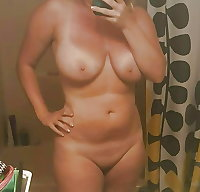 Selfie Amateur MILFs and Mature! - vol 89!