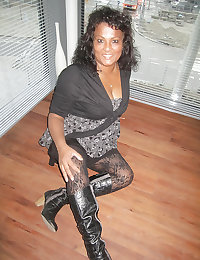 Aisha big tits and nice legs mature mom from facebook.