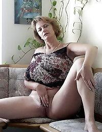 Amateurs Matures Milfs Housewives 70