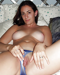 Pussy Shown Spread em Matures