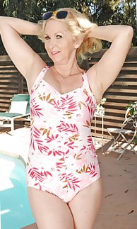 Hot Matures  Grannies in swimsuits!