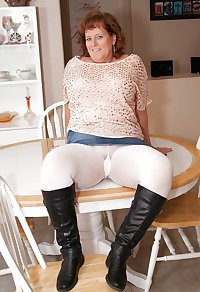 Mature and Granny Pantyhose part 1
