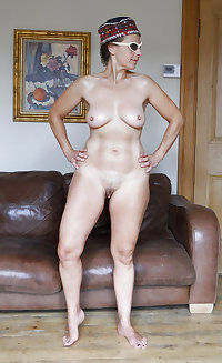 FULL FRONTAL NUDITY: HOT AMATEUR MILFS