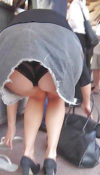 Candid Mature Upskirt - Panty Voyeur - Sexy Ass Milf