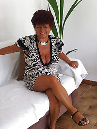 sexy mature ladies 118 (clothed)