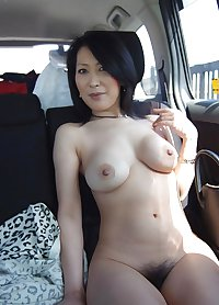MATURE AND GRANNY SHOW THEIR BITS 3