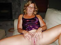 Wedding Ring Swingers #67: Spread Your Legs