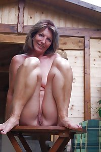 MATURE AND GRANNIES 69