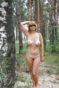Total naked amateurs outside woods and fields