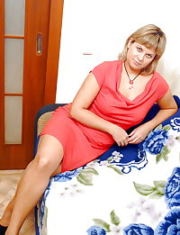 Russian mature moms! Amateur!