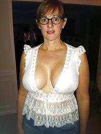 Sexy moms