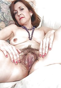 hairy mature pussy: its sexy!