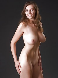 Large Pictures Beautiful Women Nudes Read Description Below