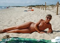 The best mature amateur ladies at the beach 4.