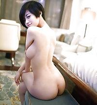 MOMS SEXY  MATURE WOMEN