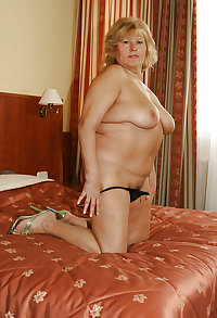 sexy female flip flops