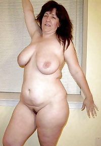 Busty Curvy Mature Milfs 4