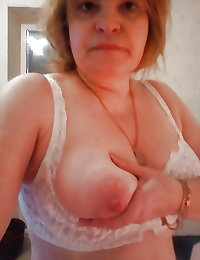 Selfie Amateur MILFs and Mature! - vol 63!