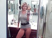 Selfie Amateur MILFs and Mature! - vol 63!