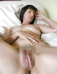 Show us that mature pussy!!! (3)