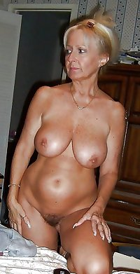 BEAUTIFUL AMATEUR  MILFS & MATURES
